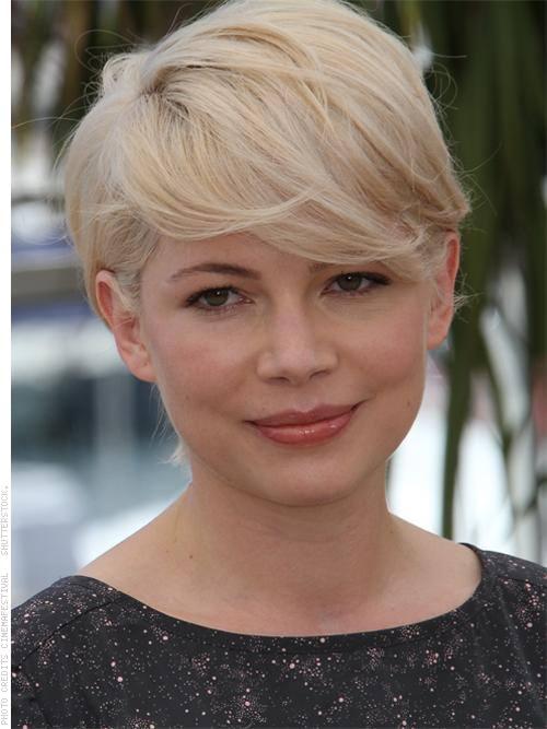 Стрижки с челкой для блондинок на длинные волосы135