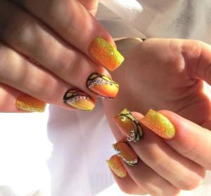 омбре на ногтях блестками в Витебске